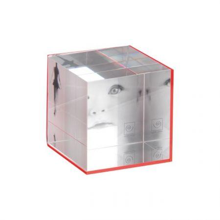 Cubo Metacrilato Fucsia 7x7*
